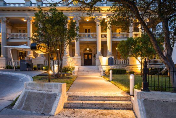 jake-holt-2013-hotel-ella-71-595x397 Hotel Ella: Austin, TX Refinement and History
