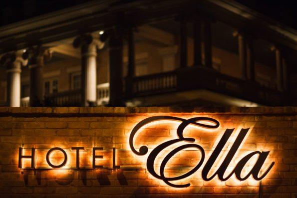 jake-holt-2013-hotel-ella-72-595x397 Hotel Ella: Austin, TX Refinement and History