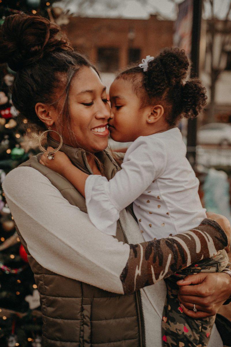 8f5tcda0ppcwq0g3d223_big Marietta, GA Holiday Fun with the Ford Family