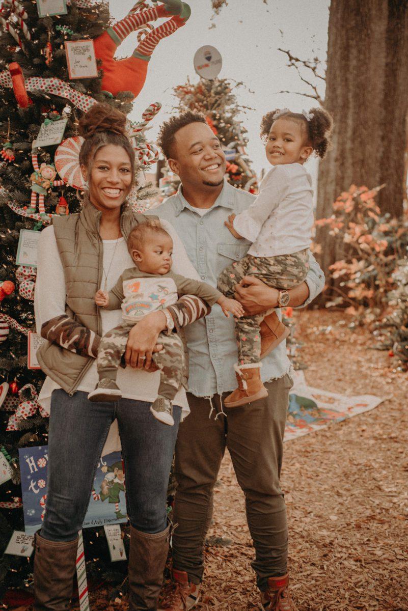 cqdssn0smedp8jyex772_big Marietta, GA Holiday Fun with the Ford Family