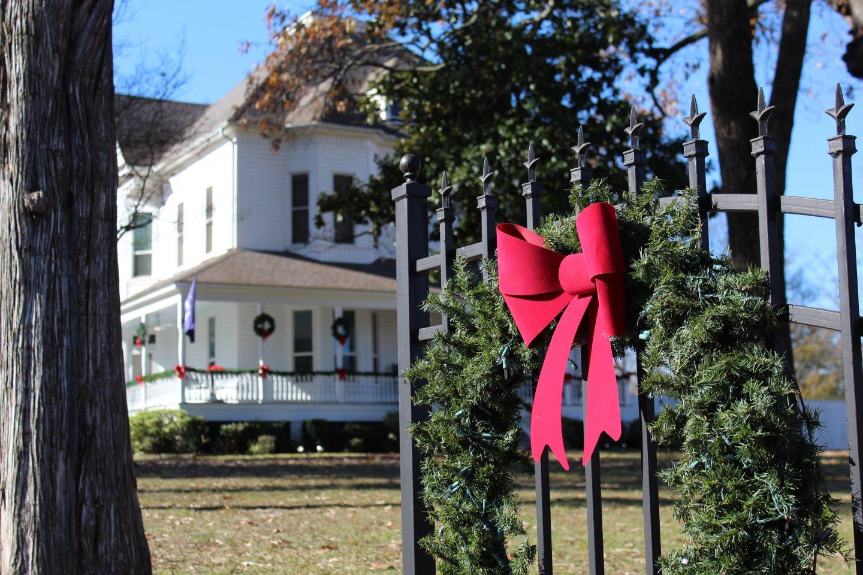 IMG_0055-1-1440x960 HBCU Holiday House: Wiley College Christmas Decor Tour