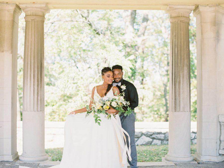 1mgckxkhffj4f9xiv457_big Kansas City, Missouri Outdoor Wedding Inspiration