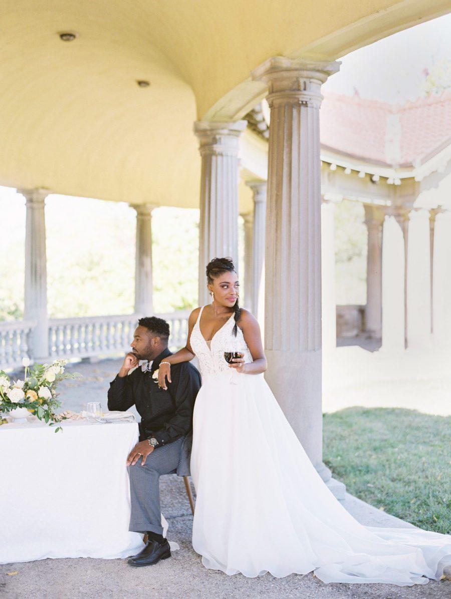 2u8zt9vnvkrdewi0qc44_big Kansas City, Missouri Outdoor Wedding Inspiration