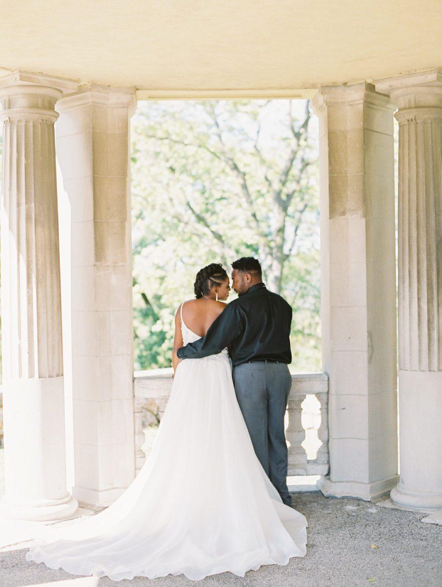 32pw91prj90po240gs62_big Kansas City, Missouri Outdoor Wedding Inspiration