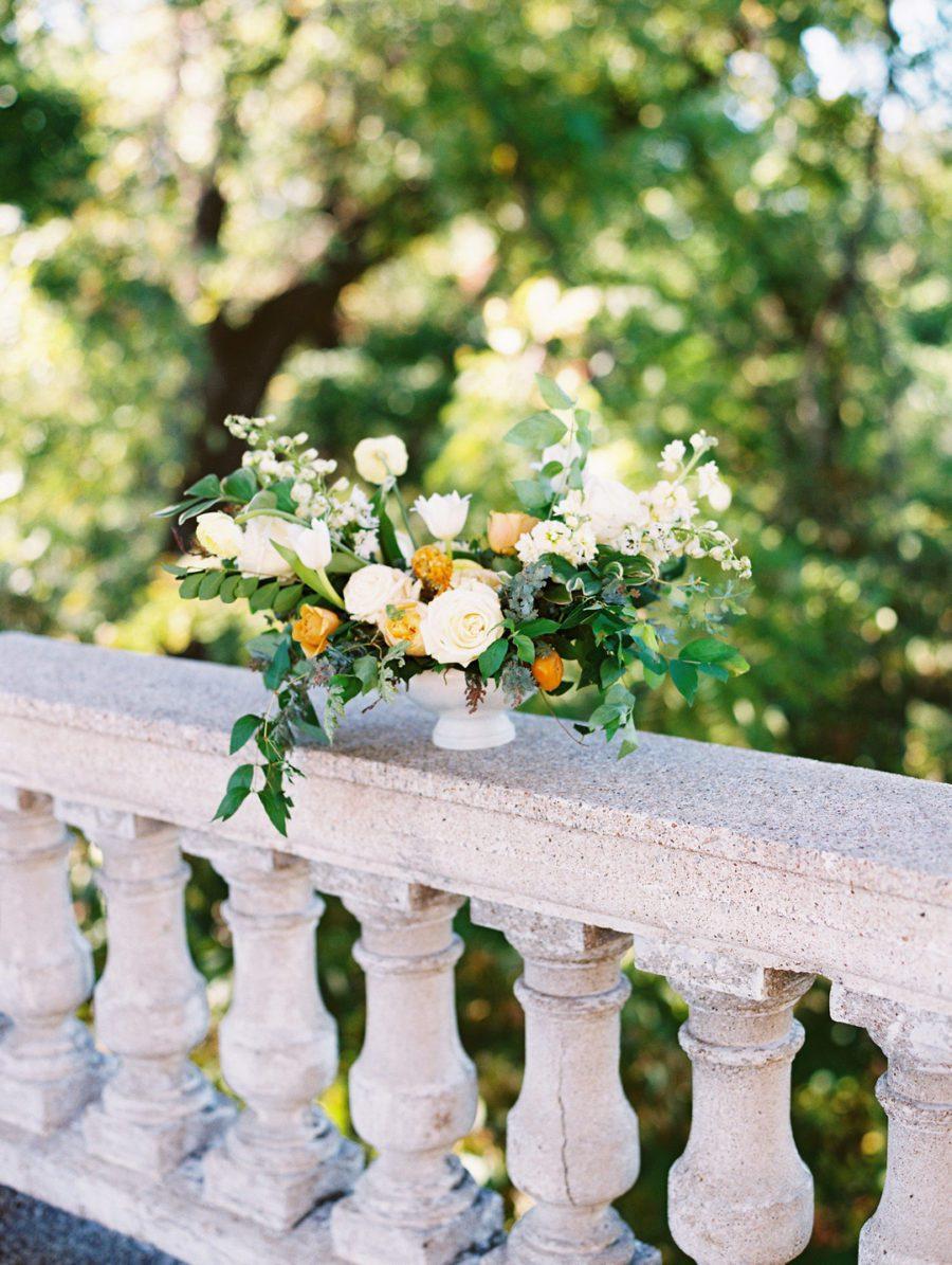jqcxu763tharacbq1i23_big Kansas City, Missouri Outdoor Wedding Inspiration